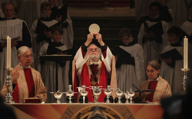 Archbishop of Canterbury celebrate Communion Eucharist mass.jpg